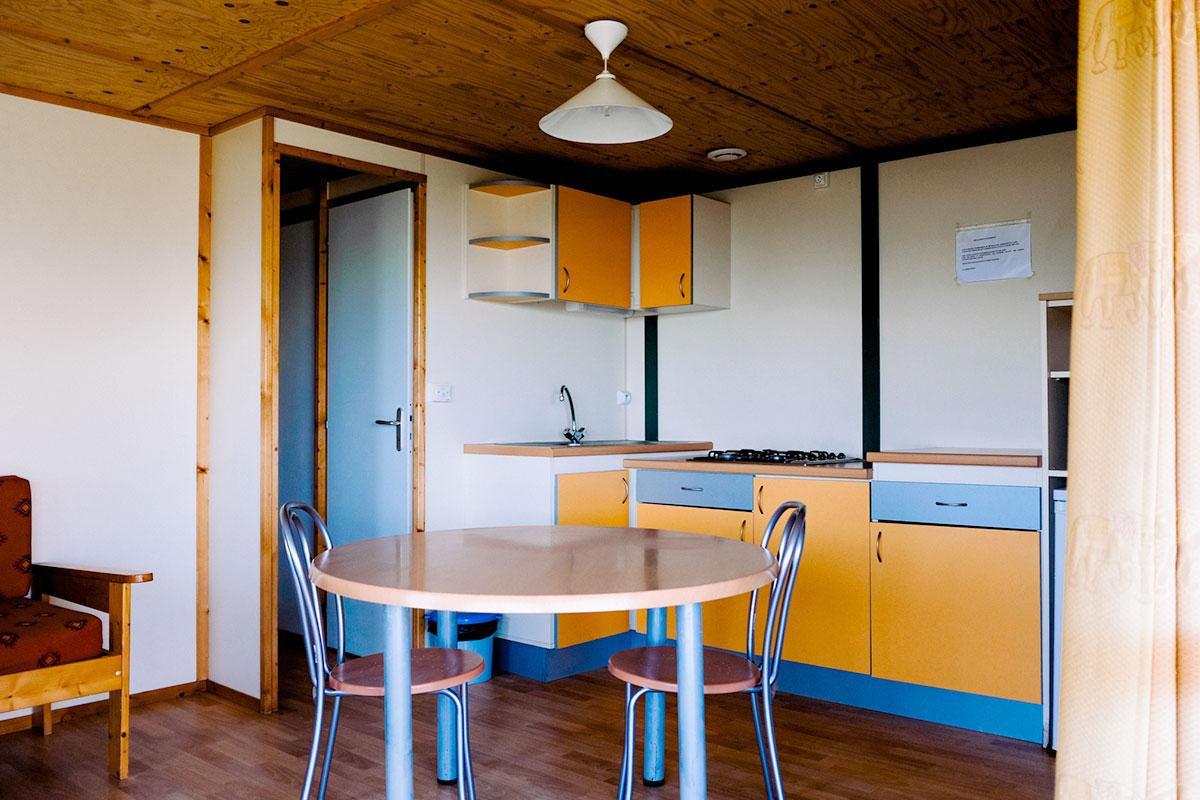 cuisine et salon des bungalows